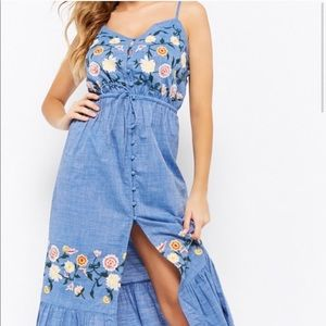 Forever 21 Embroidered Cami Maxi Dress_M